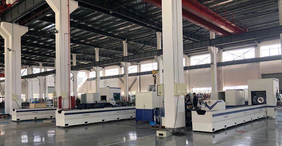 1500W Tube Laser Cutting Machine4